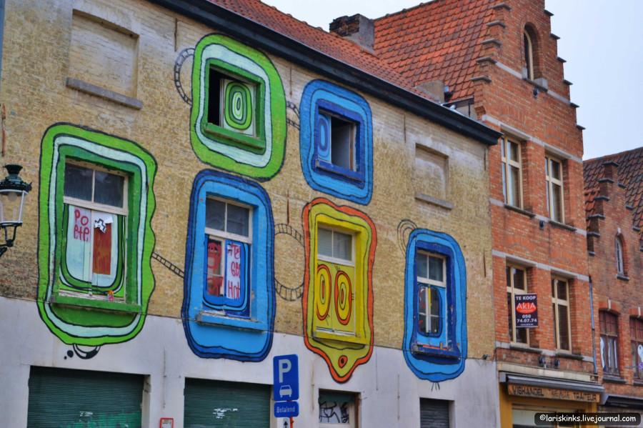 Брюгге - рисунки на стенах