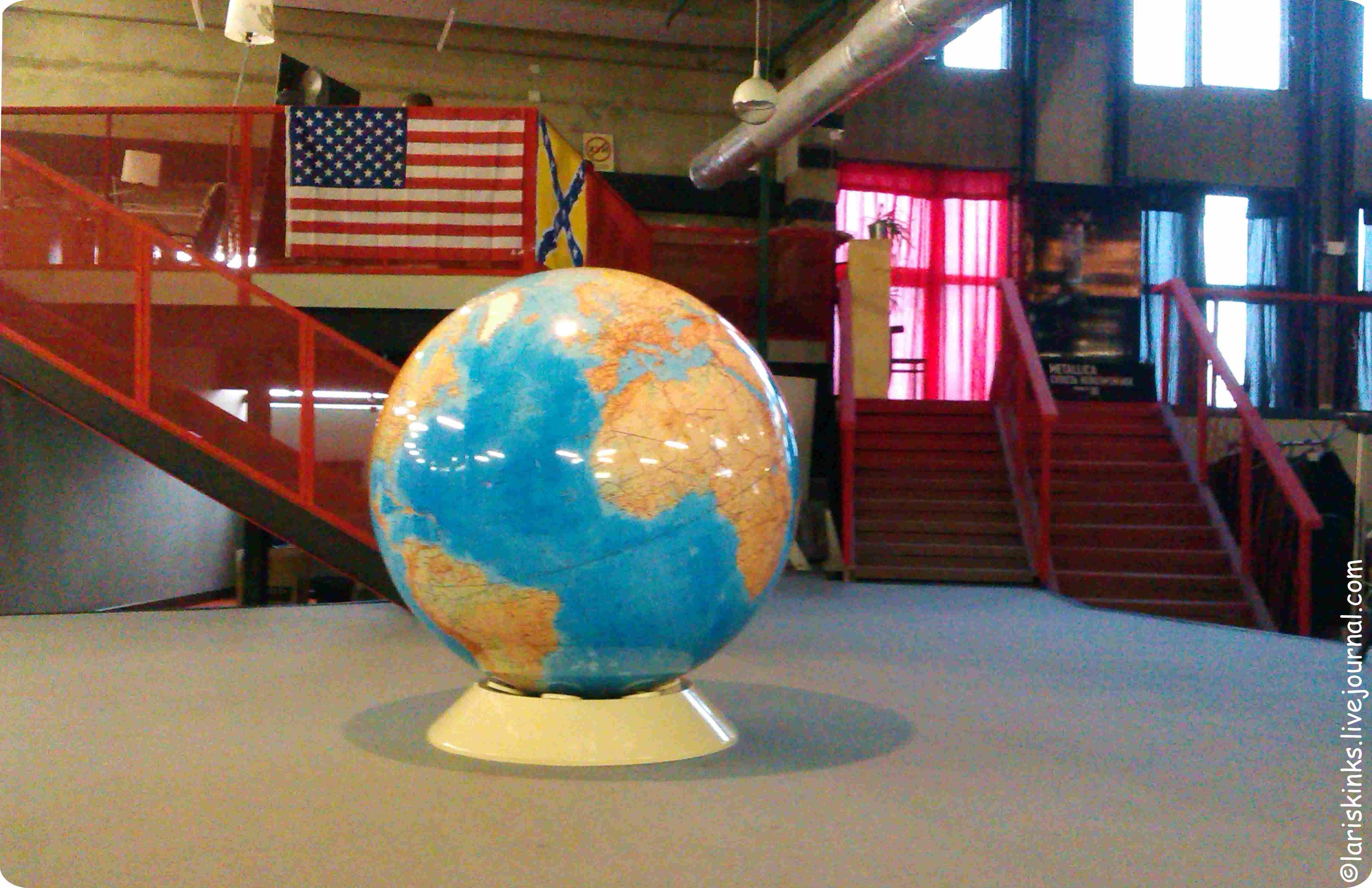 Глобус в Студии Артемия Лебедева