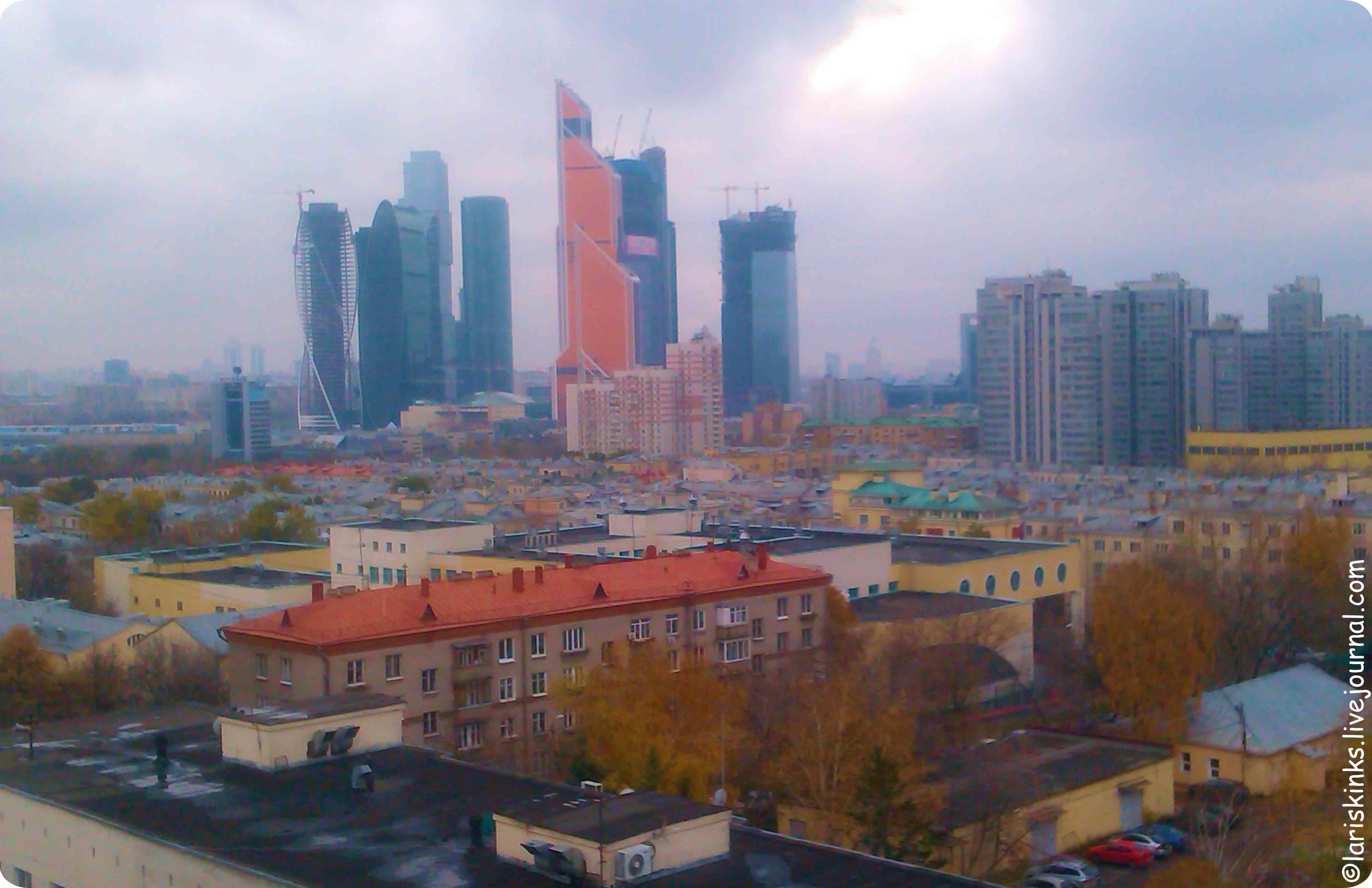 Вид на Москва-Сити из окон Студии Артемия Лебедева