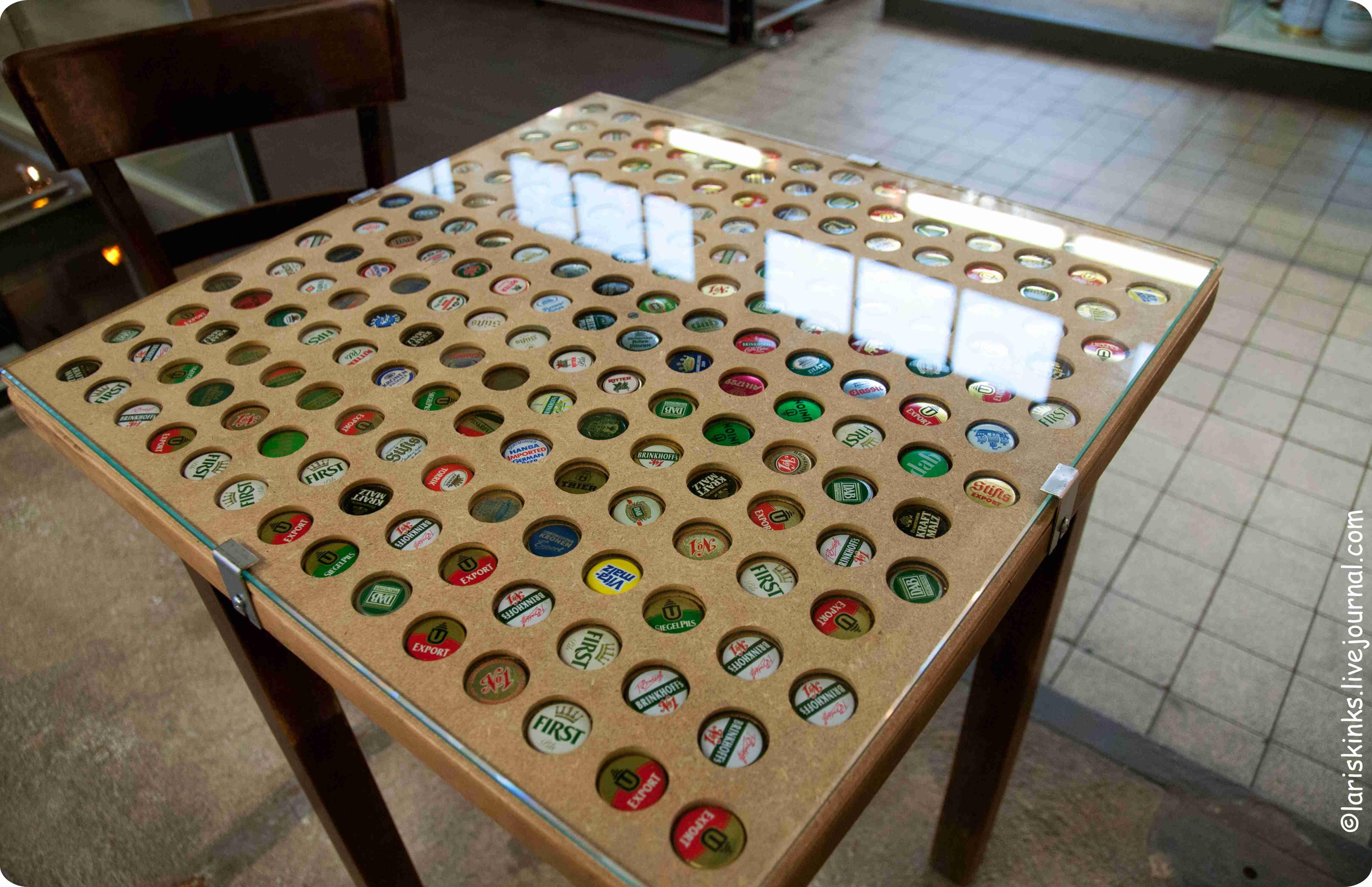Пивные крышки в Музее Пива (Дортмунд, Германия)