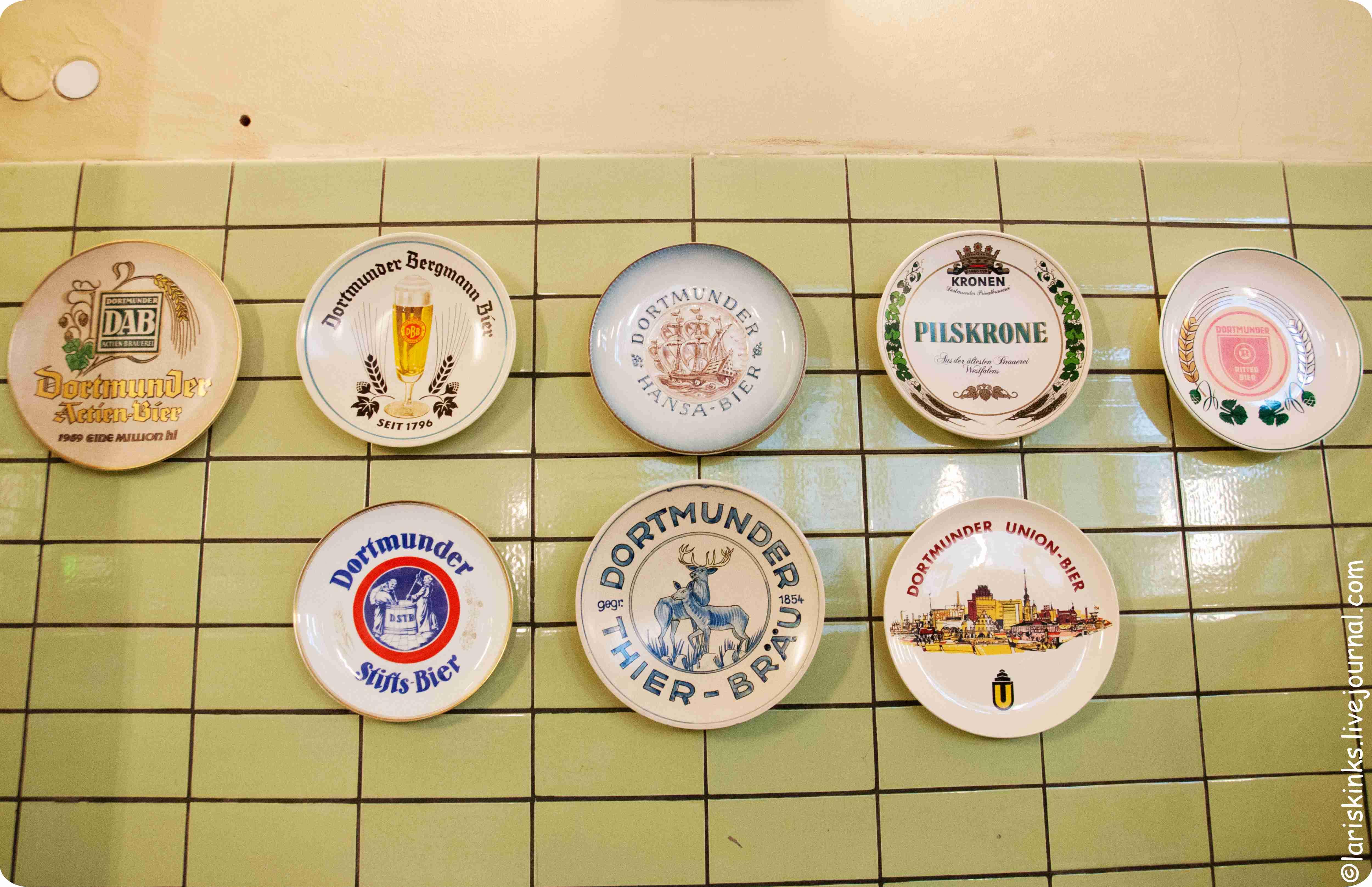 Сувенирные тарелки в Музее Пива (Дортмунд, Германия)