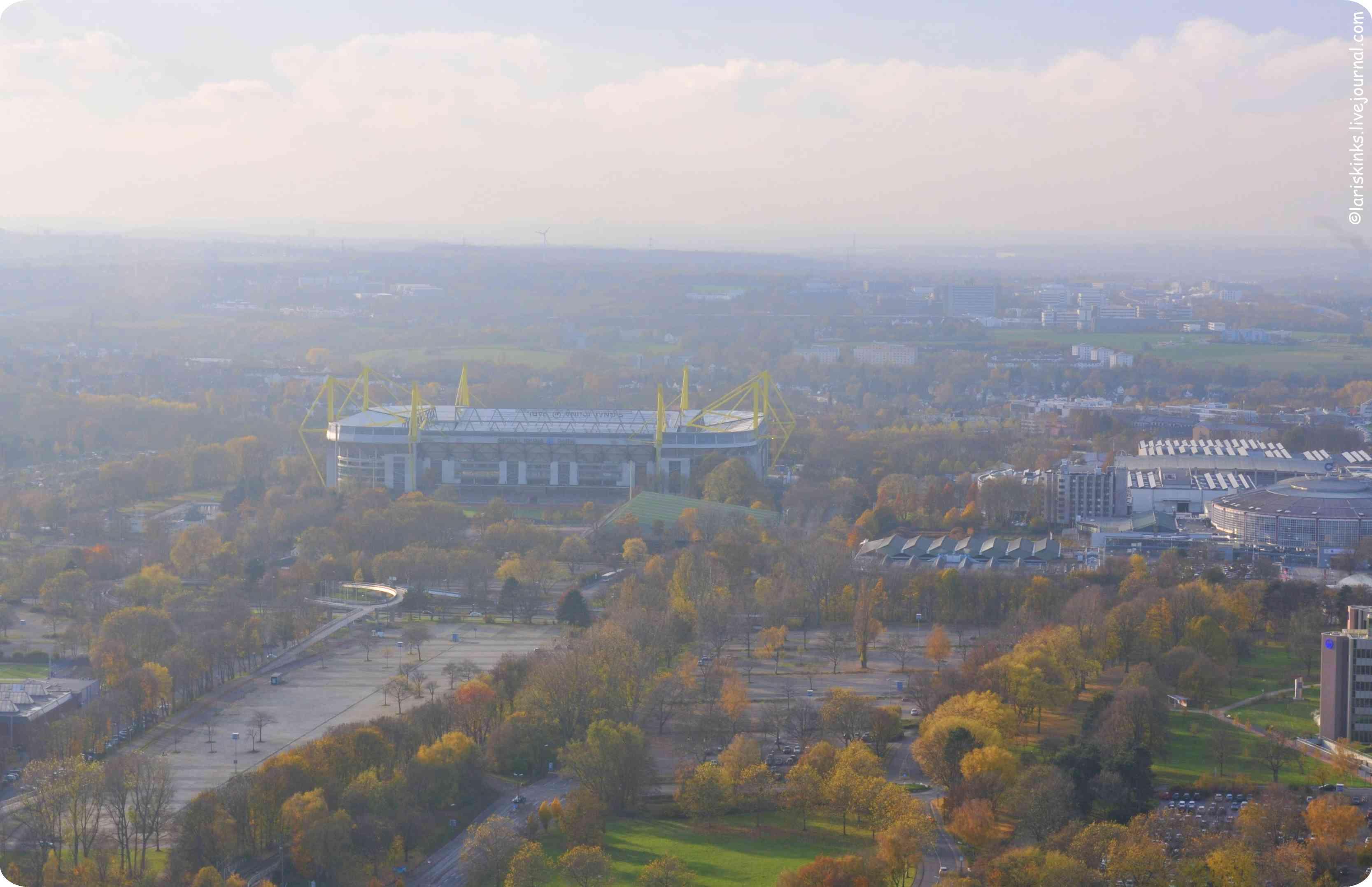 вид на  Вестфаленштадион, Дортмунд (Westfalenstadion, Dortmund)