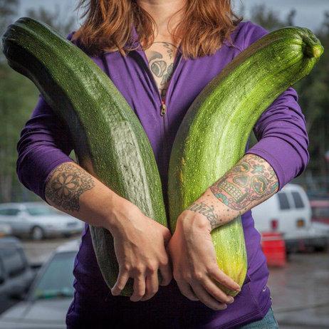 giant-vegetable-2_sq-eeee1afd81fdd8efeec6ce73071f577664a22604-s3-c85