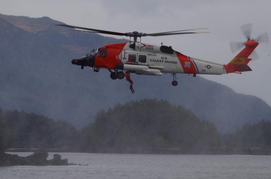 Alaska-Day-Coast-Guard-Rescue-Swimmer-2