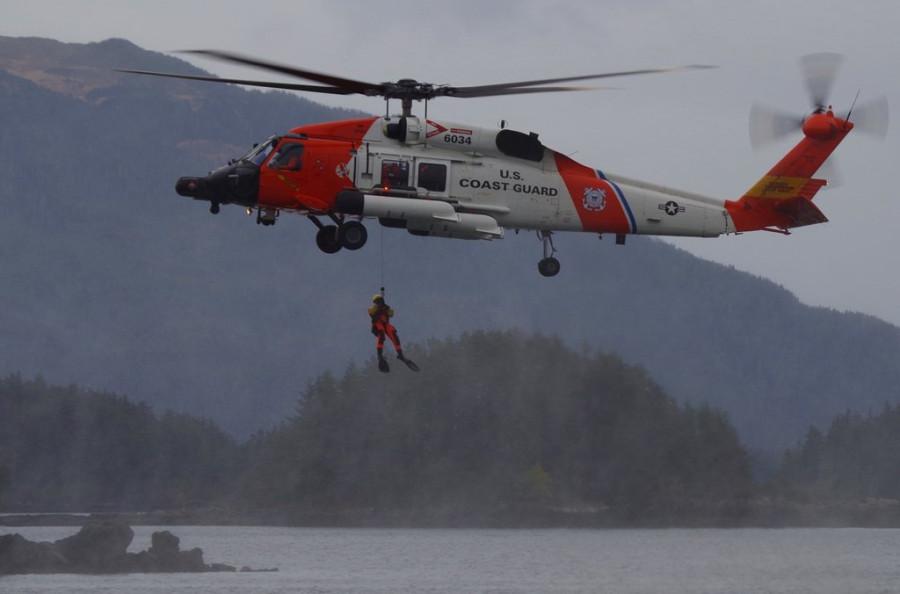 Alaska-Day-Coast-Guard-Rescue-Swimmer-3