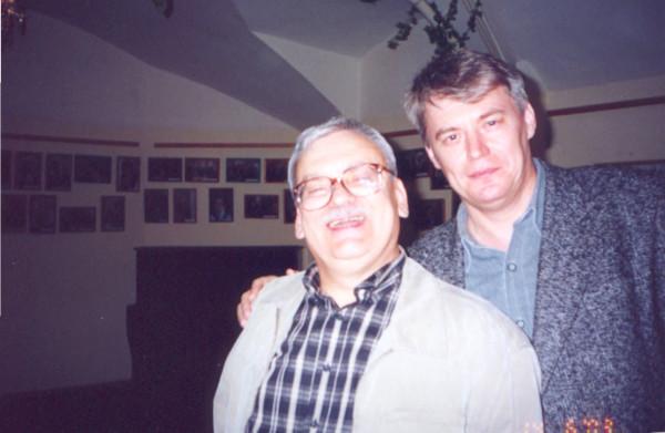 В.Ларионов и А.Сапковский. Санкт-Петербург, 2003 год.jpg