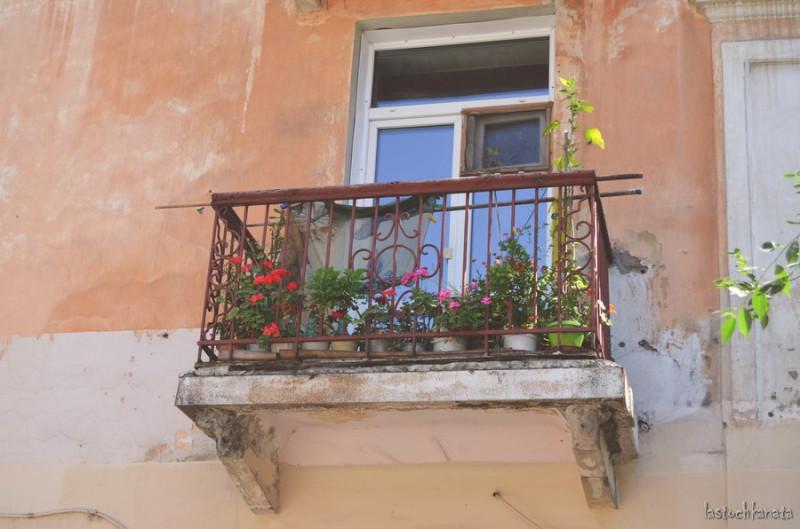 Цветничок на балконе