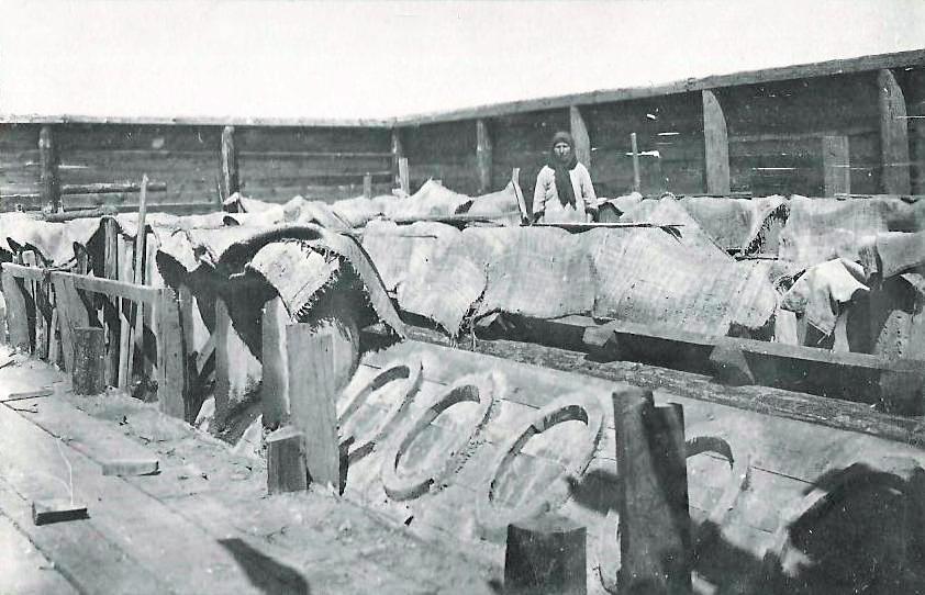 изготовление бетонных изделий в бетонной мастрской 1 участка.jpg