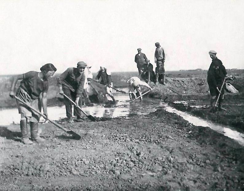 производство полива в колхозах.jpg