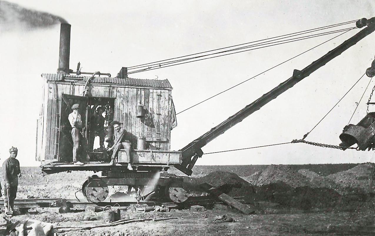 экскаватор марион-28 на постройке сбросного канала а-1 в 1936 году.jpg
