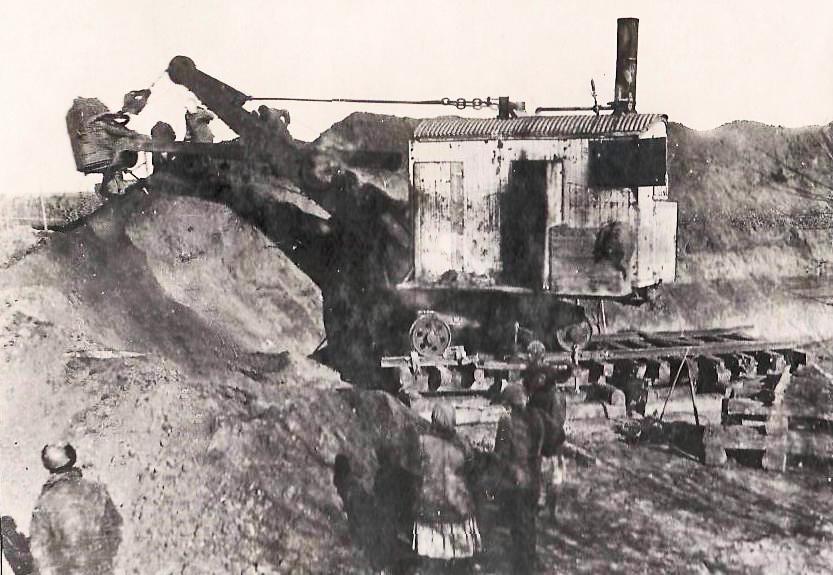 экскаватор Марион-28 на расширении Рубцовского магистрального канала в 1933 году.jpg