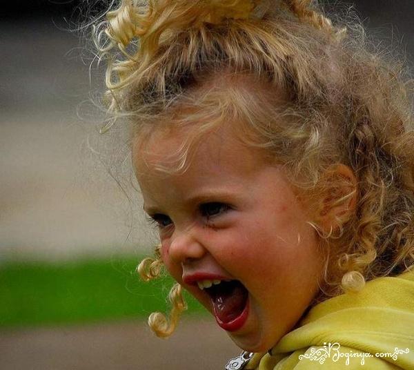 Открытка февраля, картинки злая девочка маленькая