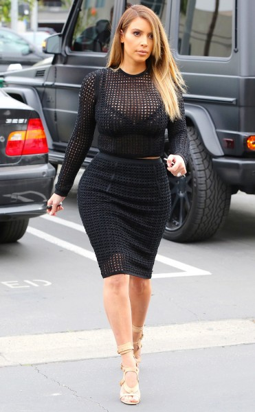 rs_634x1024-140124155321-634.Kim-Kardashian-Crop-Top-LA.ms.012414