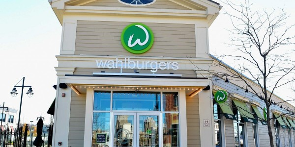in-2013-wahlberg-entered-the-world-of-reality-tv-the-actor-and-his-brothers-along-with-mother-alma-let-ae-follow-them-around-as-they-opened-up-a-cheeseburger-restaurant-in-boston-cleverly-named-wahlburgers