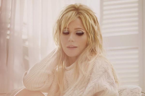 Gwyneth_Bardot_html