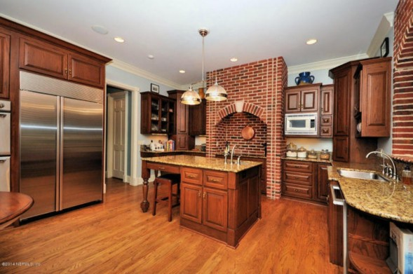 kitchen-island-b0bd79-589x391