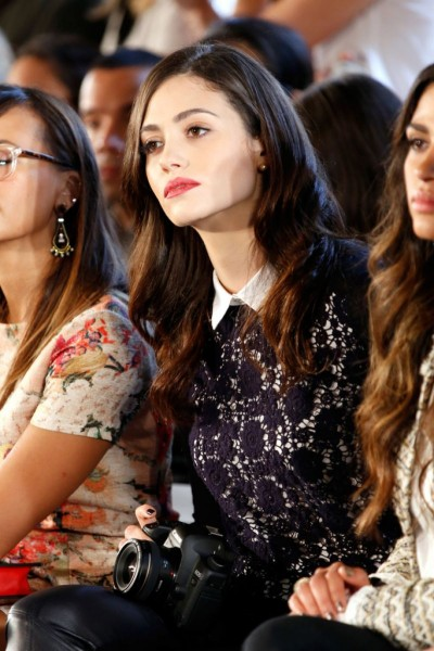 emmy-rossum-at-tory-burch-spring-2014-fashion-show-in-new-york_3