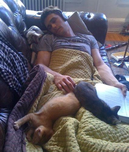 cat-guy-James-Franco