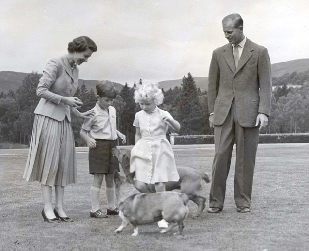 00408F0500000258-3161789-The_Queen_and_Prince_Philip_watch_on_as_children_Prince_Charles_-a-1_1436956314101