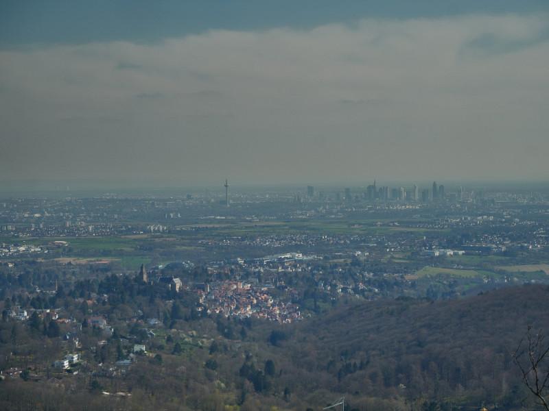 Der Ausblick über die Rhein-Main-Ebene ist grandios