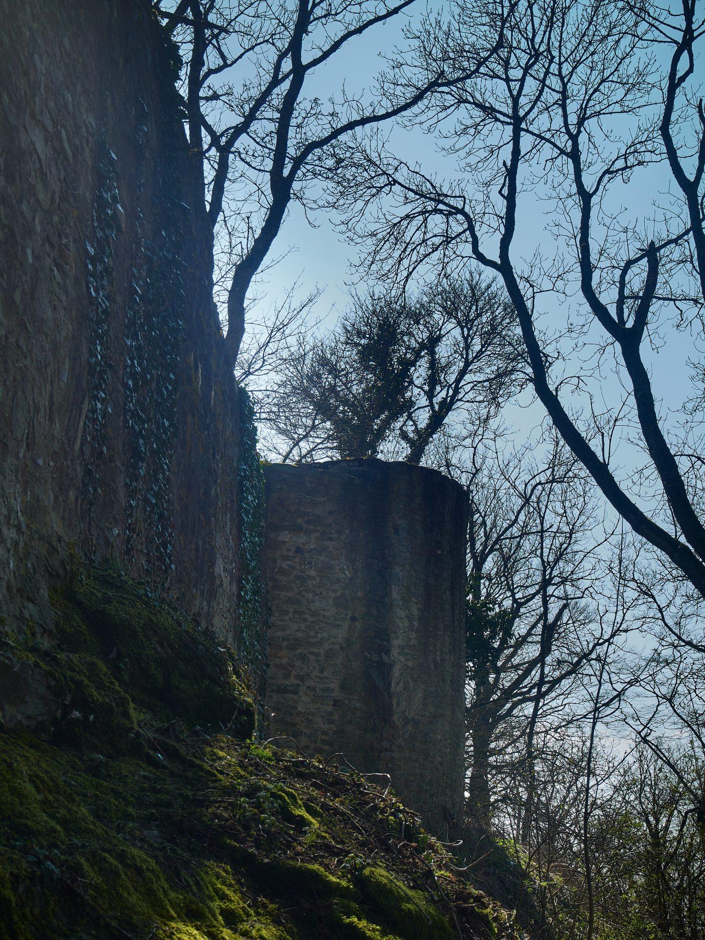 Die mächtige Burg