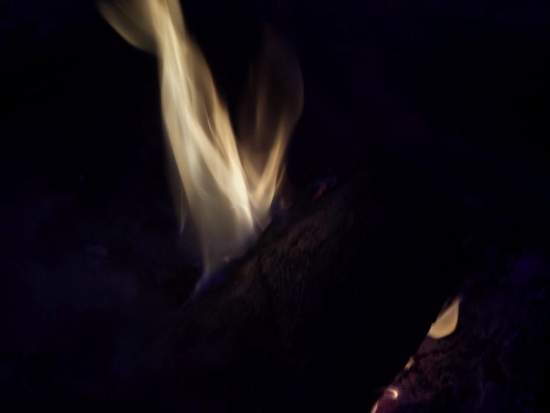Langsam verlöscht das Feuer