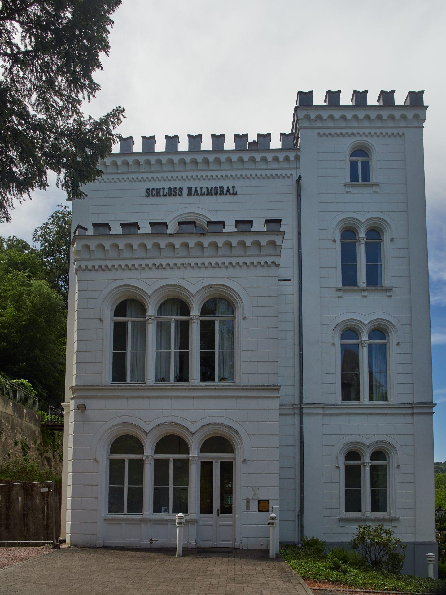 Balmoral Castle hatte ich etwas größer und vor allem in Schottland in Erinnerung