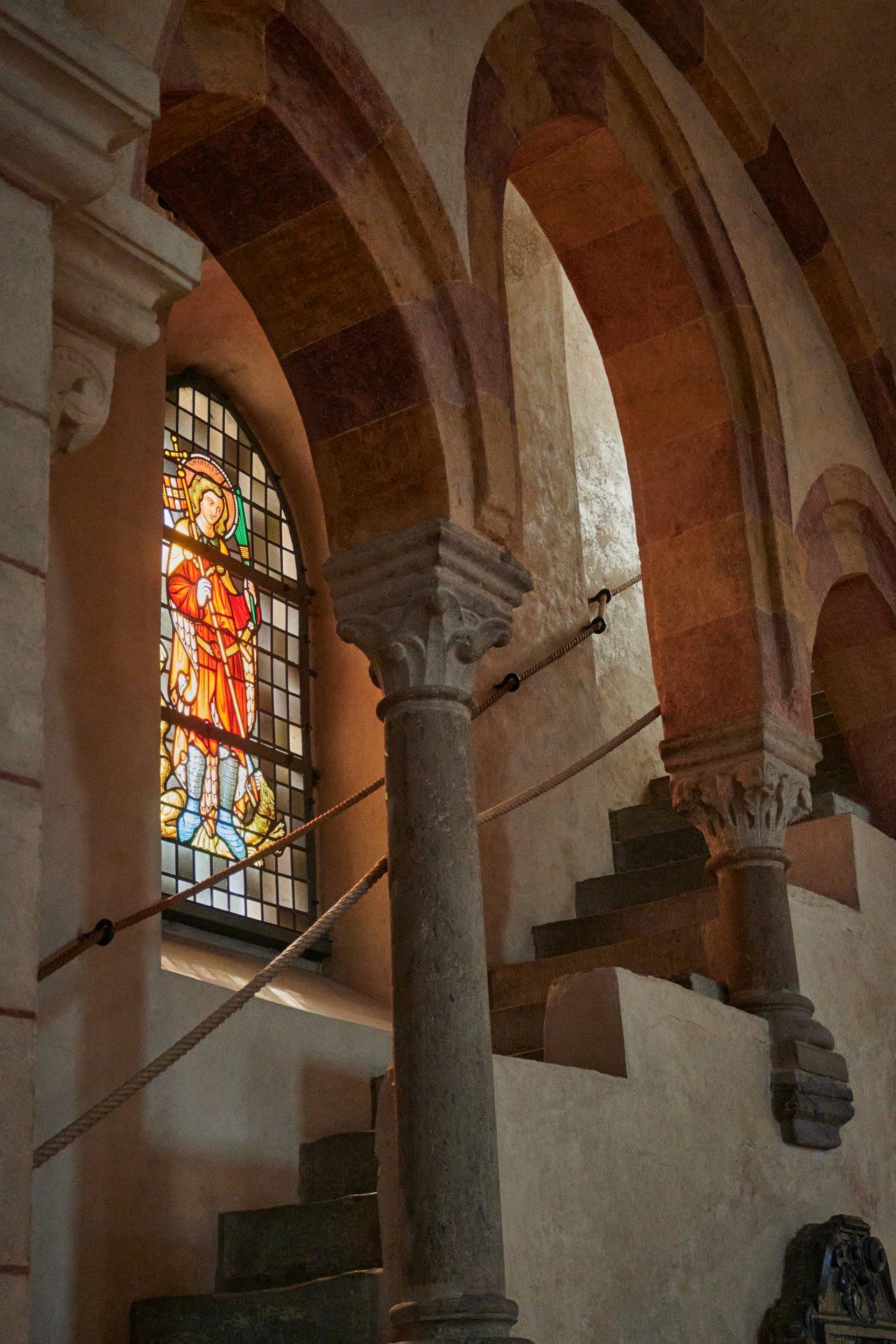 Der Limburger Dom ist dem Drachentöter, St. Georg, geweiht