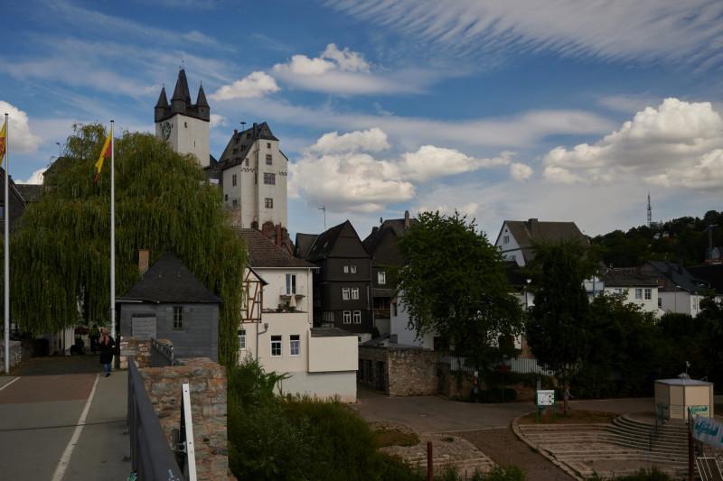 Von der Lahnbrücke Richtung Altstadt