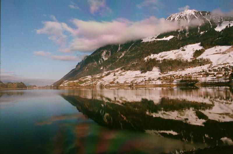 Ich liebe die Spiegelung des Güpfi im See