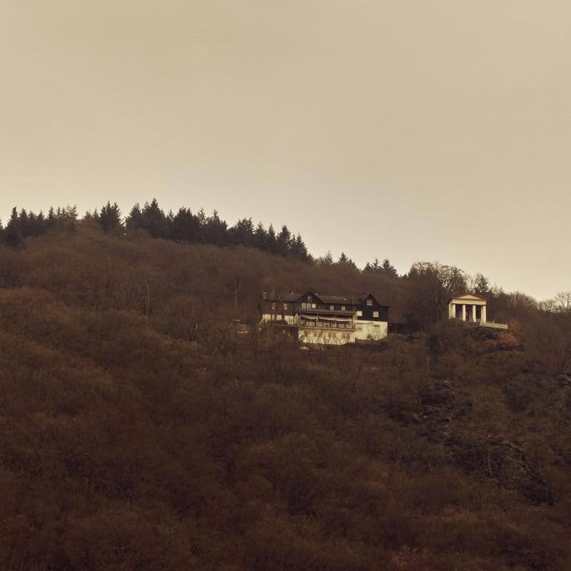 Kaisertempel — man hat von dort einen wunderbaren Blick über Eppstein und in den Taunus