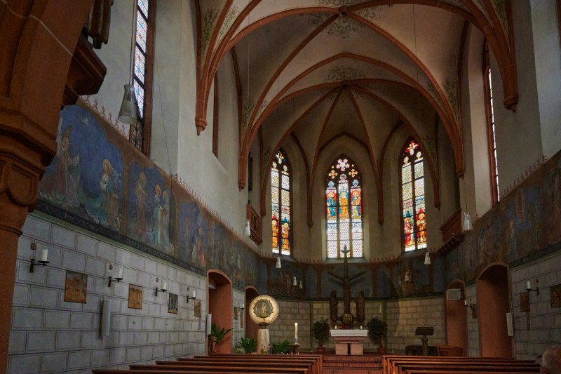 Klosterkirche Marienthal — das rundlich Goldene ist das Gnadenbild von 1326