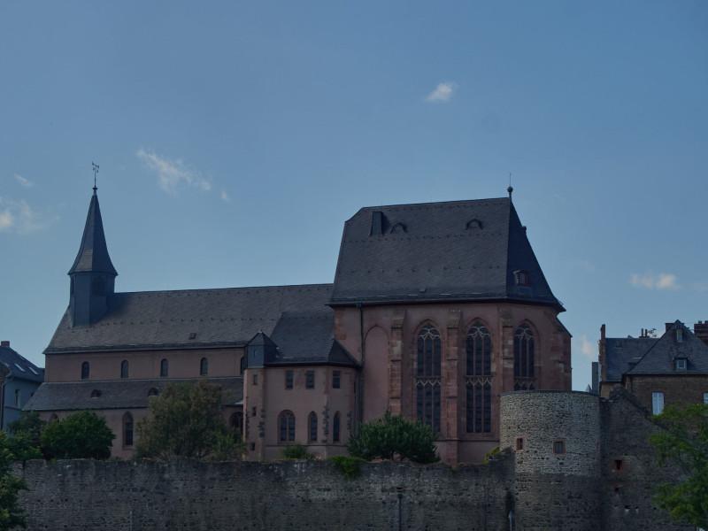 Die Justinuskirche von 829, Frankfurts ältestes Gebäude
