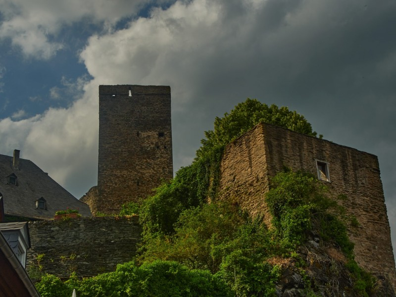 Blick von der Eisdiele zur Burg