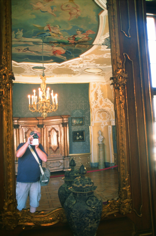 Spiegel-Selfie auf Film