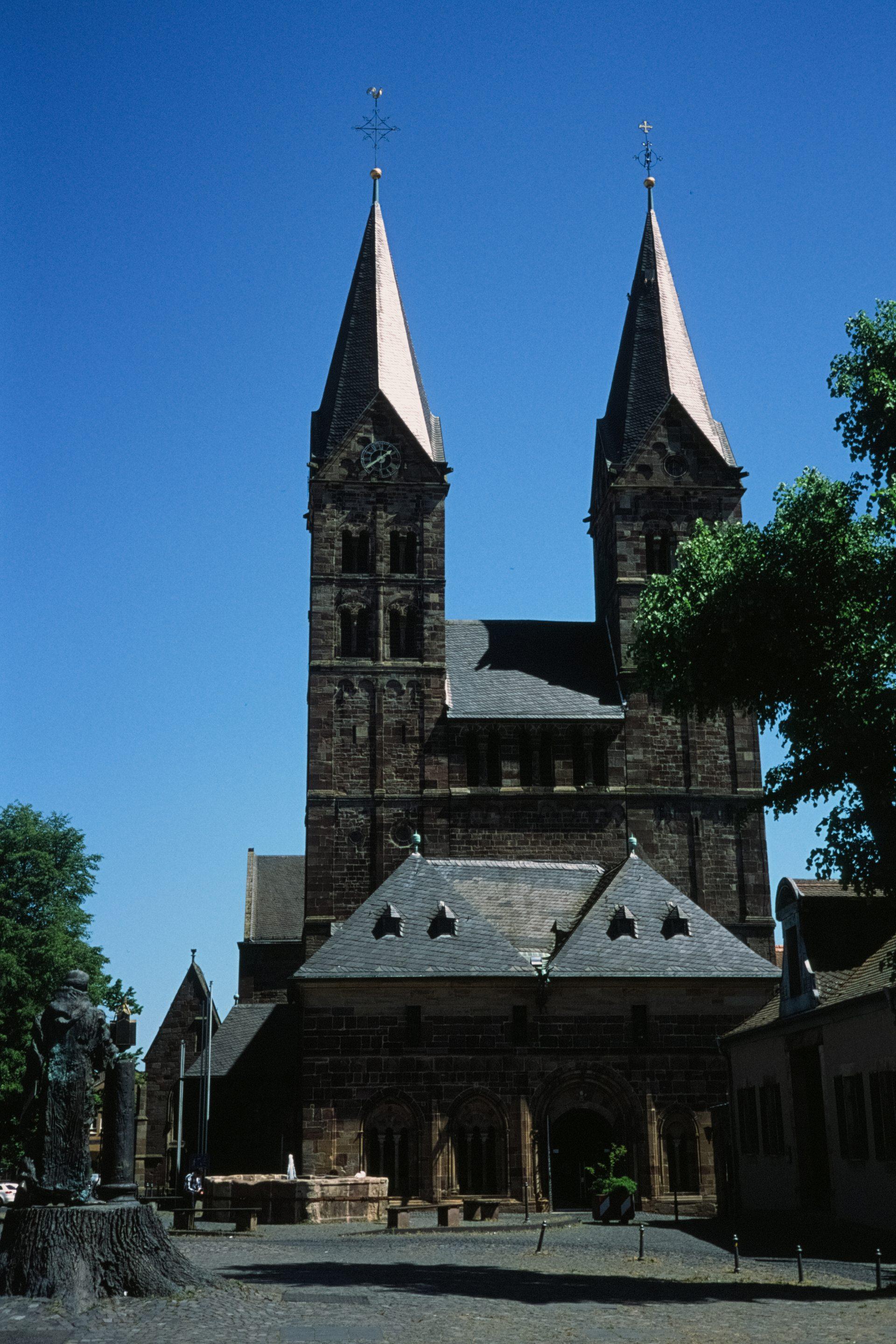 Der Bonfifatius-Dom in Fritzlar