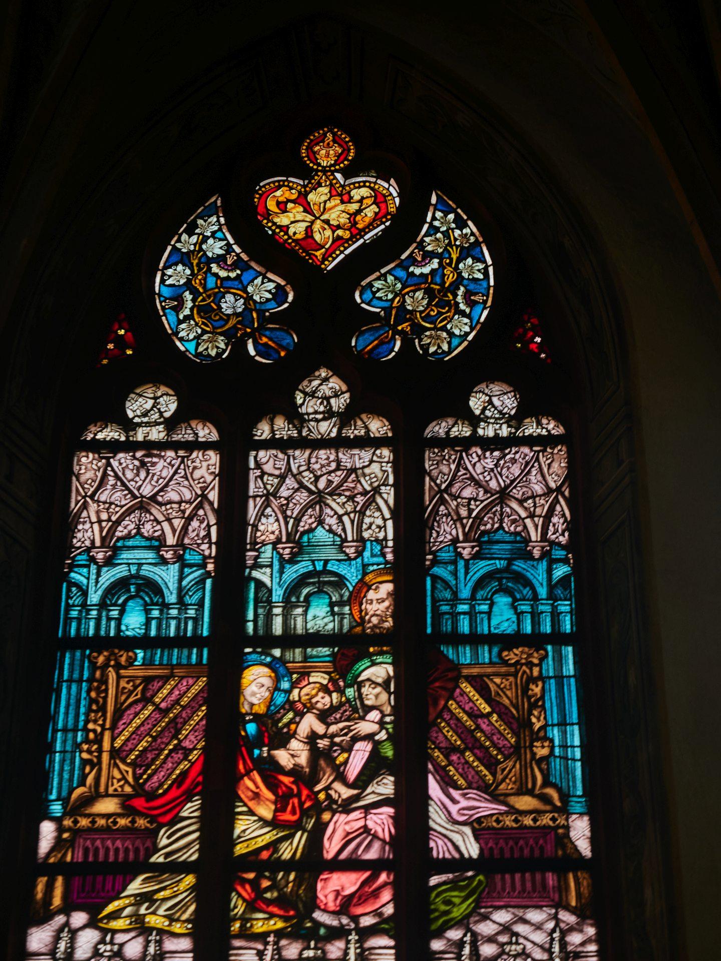 Fenster in der St.-Anna-Kapelle