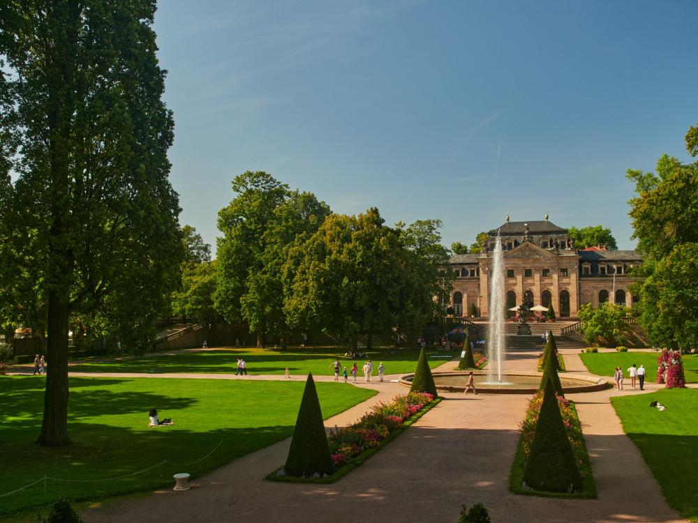 Auch der Schloßgarten ist schön