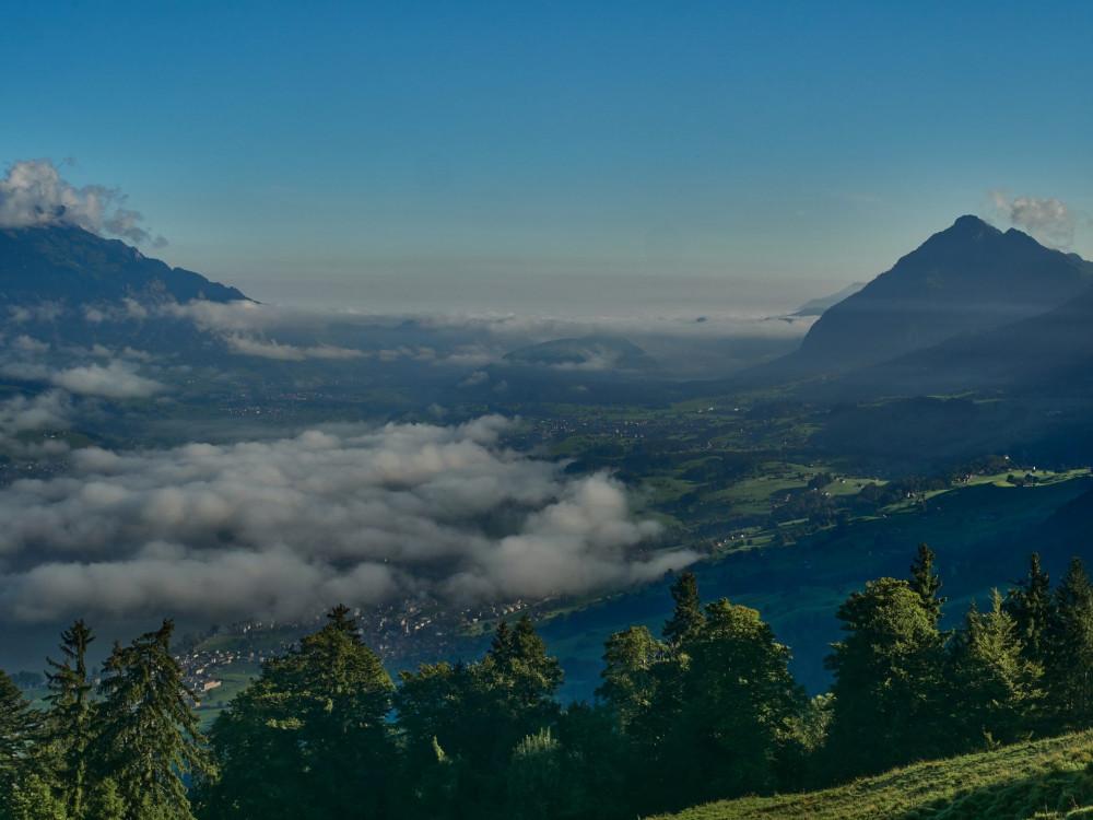 Die Wächter Obwaldens: Links der Pilatus, rechts das Stanserhorn