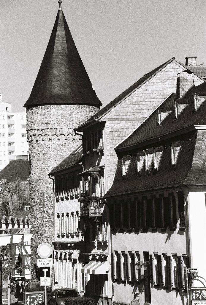 Der Rathausturm, ebenfalls Teil der Stadtmauer: hier wurden wirklich Hexen gefangen gehalten und gefoltert