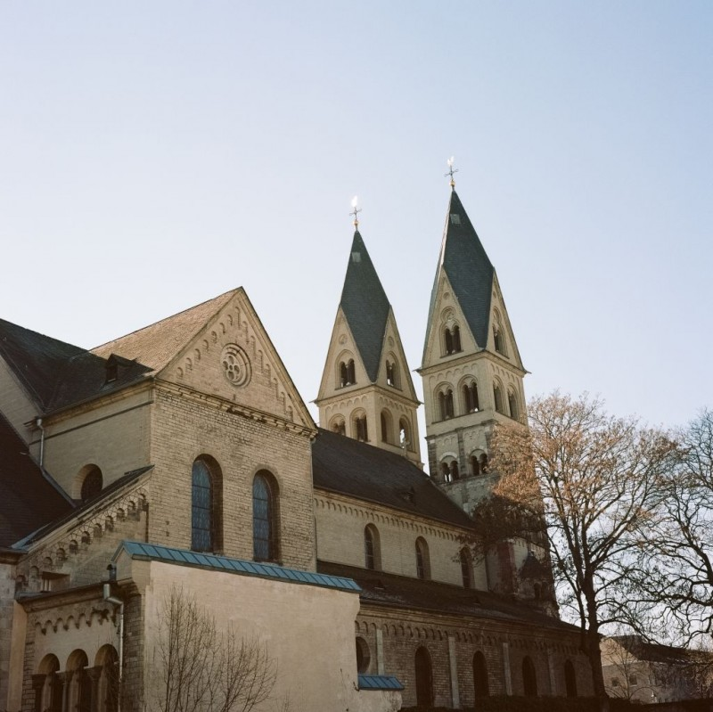 Die Kastorkirche - über 1200 Jahre Baugeschichte ergeben dennoch ein ansprechendes Bild