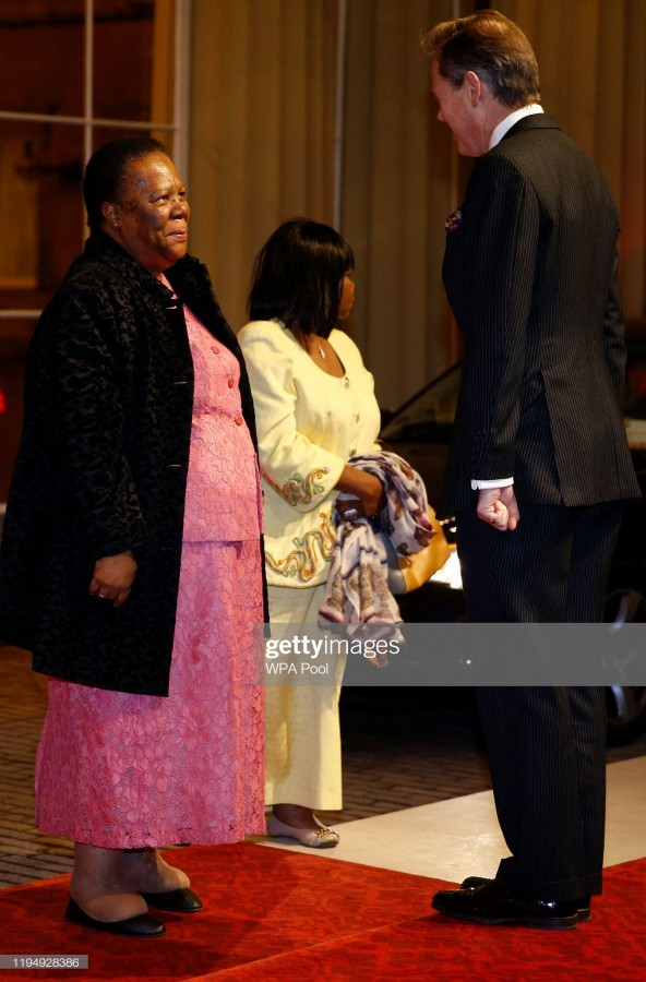 Прием в Букингемском дворце в честь Британско-Африканского саммита. Пост