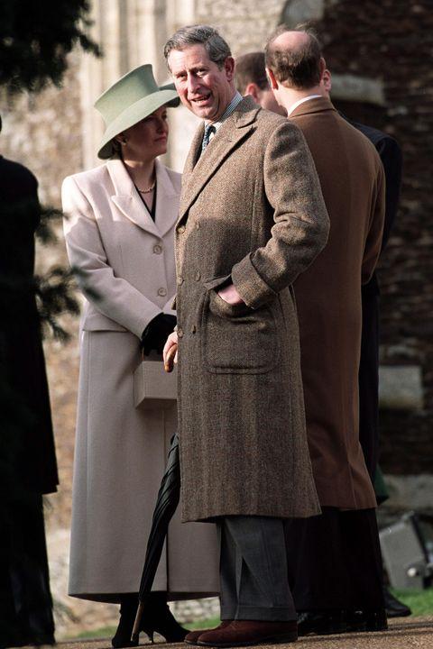 Сорок лет в одном пальто...