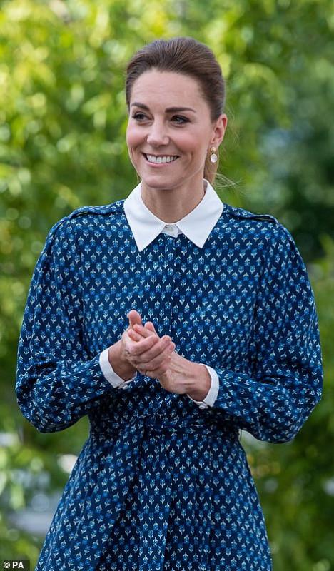 Герцог и герцогиня Кембриджские посетили госпиталь в Норфолке.
