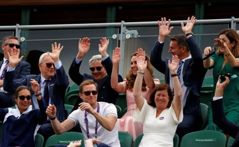 Герцогиня Кембриджская и герцог Кентский с семьёю на мужском финале Уимблдона