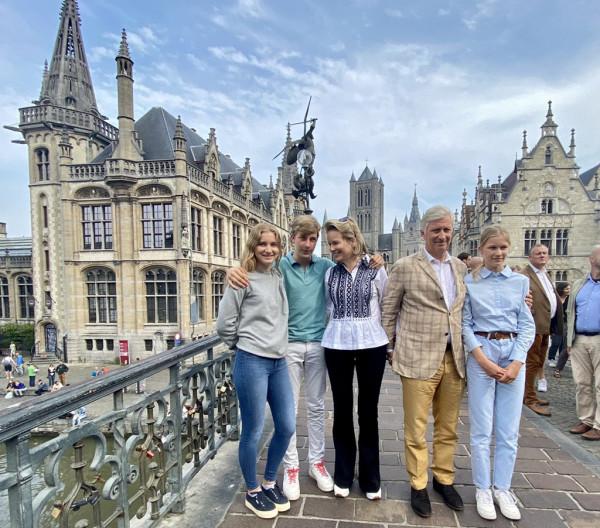 Королевская семья Бельгии посещает Гент
