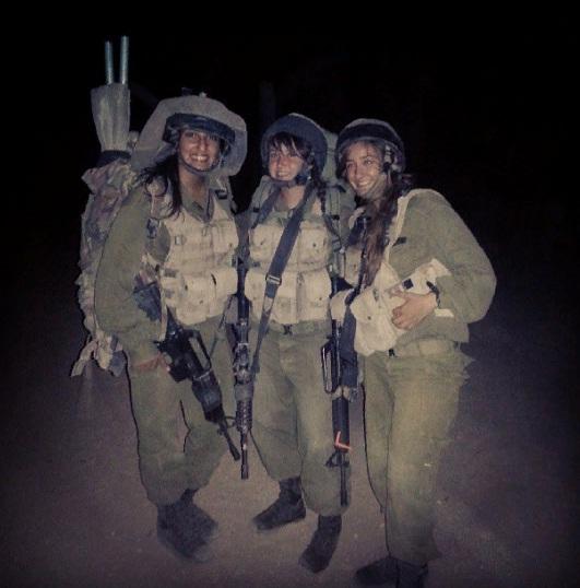 Наама Иссахар в армии.