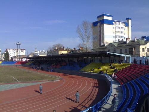 Стадион раз