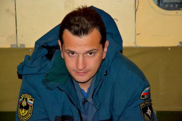 Обратно до Хабаровска с нами летел сотрудник МЧС Сергей Гужевенко, из Магаданского Управления. У него была уже пневмония, но он до последнего работал на дамбе. И только когда обстановка более или менее стабилизиров