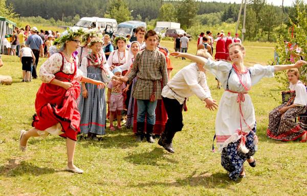 хороводные игры и народные традиции